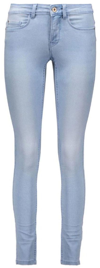 Джинсы женские Only, цвет: голубой. 15110543_Light Blue Denim. Размер S-32 (42/44-32)15110543_Light Blue DenimСтильные женские джинсы Only выполнены из хлопка с добавлением полиэстера и эластана. Материал мягкий и приятный на ощупь, не сковывает движения и дарит комфорт. Джинсы-скинни с заниженной посадкой застегиваются на пуговицу в поясе и ширинку на застежке-молнии. На поясе предусмотрены шлевки для ремня. Спереди модель дополнена двумя втачными карманами и одним накладным кармашком, сзади - двумя накладными карманами. Модель оформлена прострочкой и потертостями.