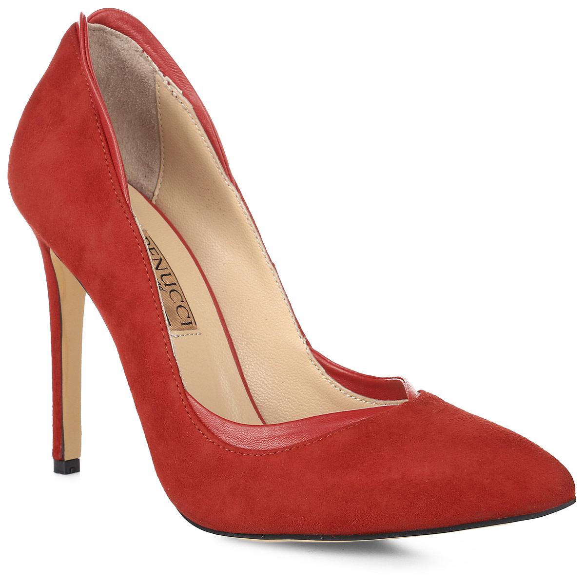 Туфли женские Benucci, цвет: красный. 5903. Размер 395903Модные женские туфли от Benucci поразят вас своим дизайном! Модель выполнена из натуральной замши и дополнена вставкам из натуральной кожи. Подкладка и стелька - из натуральной кожи, обеспечат максимальный комфорт при ходьбе. Зауженный носок добавит женственности в ваш образ, а ультравысокий каблук-шпилька - шарма. Подошва из полиуретана дополнена рифлением, что обеспечивает отличное сцепление с любой поверхностью. Модные туфли займут достойное место среди вашей коллекции обуви.
