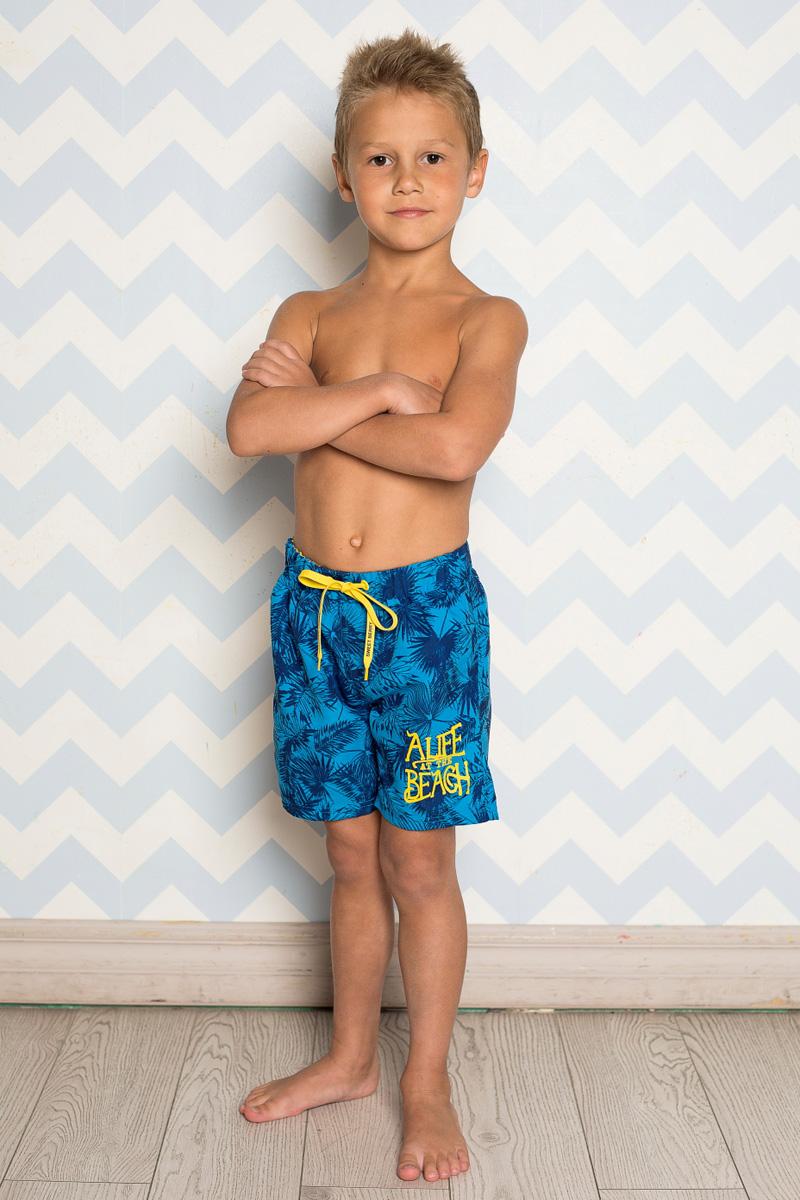 Шорты пляжные для мальчика Sweet Berry, цвет: сине-голубой. 713050. Размер 110713050Пляжные шорты для мальчика Sweet Berry, изготовленные из качественного материала, - идеальный вариант, как для купания, так и для отдыха на пляже. Модель с вшитыми сетчатыми трусиками на поясе имеет эластичную резинку, регулируемую шнурком, благодаря чему шорты не сдавливают живот ребенка и не сползают. Изделие оформлено оригинальным принтом и дополнено имитацией ширинки.Шорты быстро сохнут и сохраняют первоначальный вид и форму даже при длительном использовании.