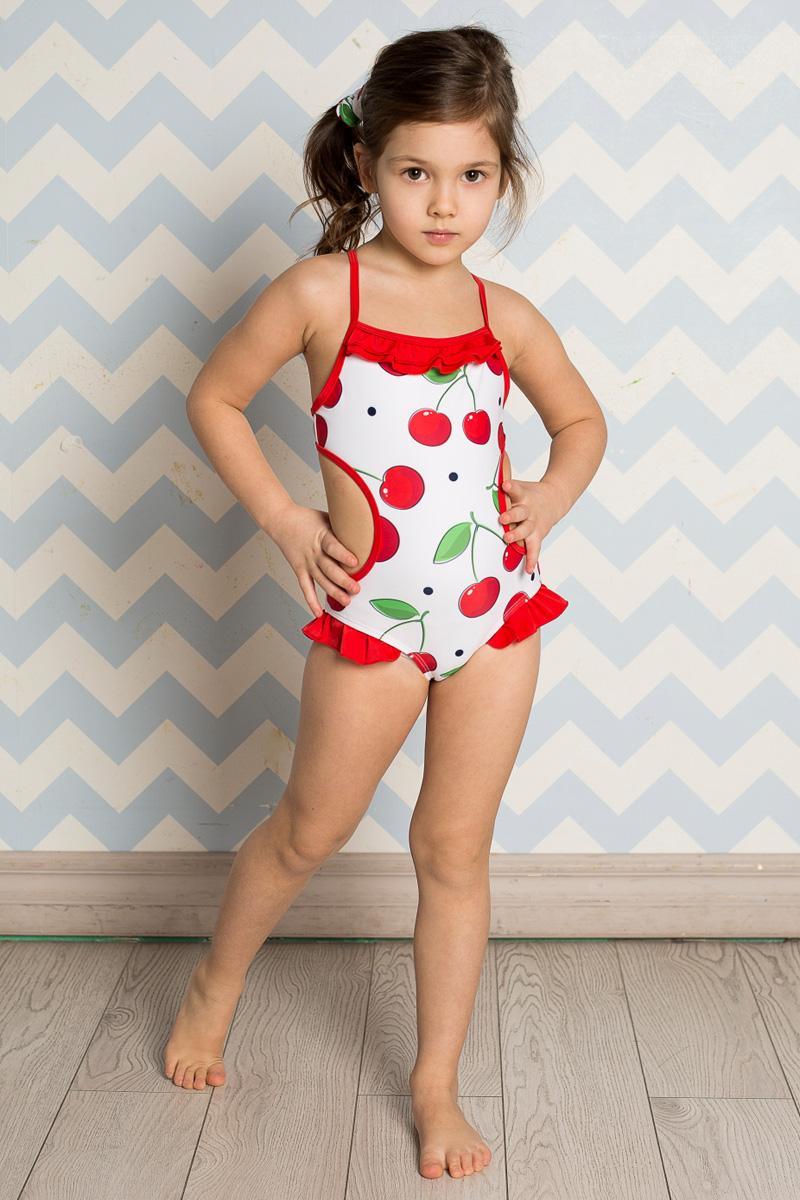 Купальник для девочки Sweet Berry, цвет: красный, белый. 714196. Размер 104714196Слитный купальник для девочки Sweet Berry на тонких бретелях изготовлен из нейлона и эластана и оформлен ярким принтом и рюшами. Бретели купальника перекрещиваются на спинке и регулируются по длине. Изделие быстро сохнет и сохраняет первоначальный вид и форму даже при длительном использовании. В комплект с купальником входит резинка для волос.