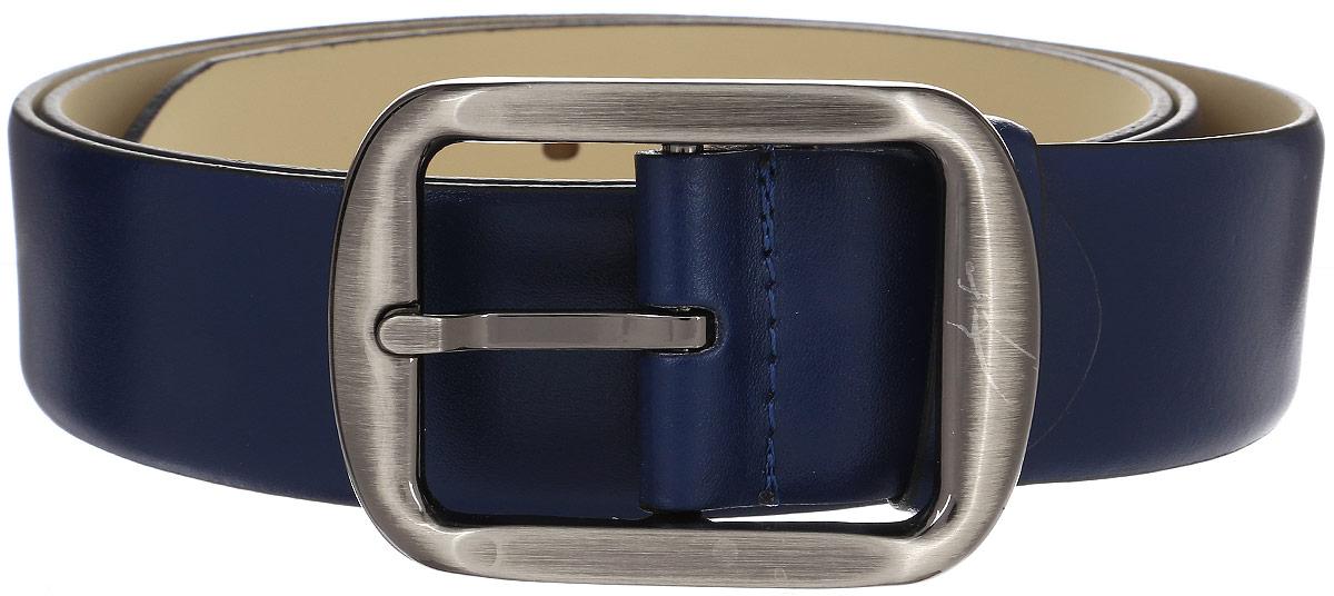 Ремень мужской Milana, цвет: синий. 15752. Размер 13015752Мужской ремень Milana изготовлен из натуральной кожи. Прямоугольная пряжка выполнена из металла, она позволит легко и быстро зафиксировать ремень и отрегулировать его длину. Элегантный и строгий ремень превосходно сочетается с любыми нарядами. Уважаемые клиенты! Обращаем ваше внимание на тот факт, что размер ремня, доступный для заказа, является его длиной.