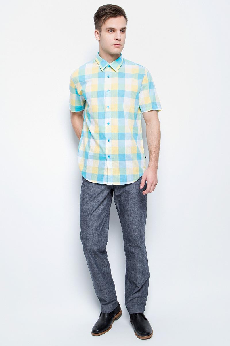 Рубашка мужская Finn Flare, цвет: бирюзовый. S17-24012_133. Размер M (48)S17-24012_133Рубашка мужская Finn Flare выполнена из натурального хлопка. Модель с отложным воротником и короткими рукавами застегивается на пуговицы.