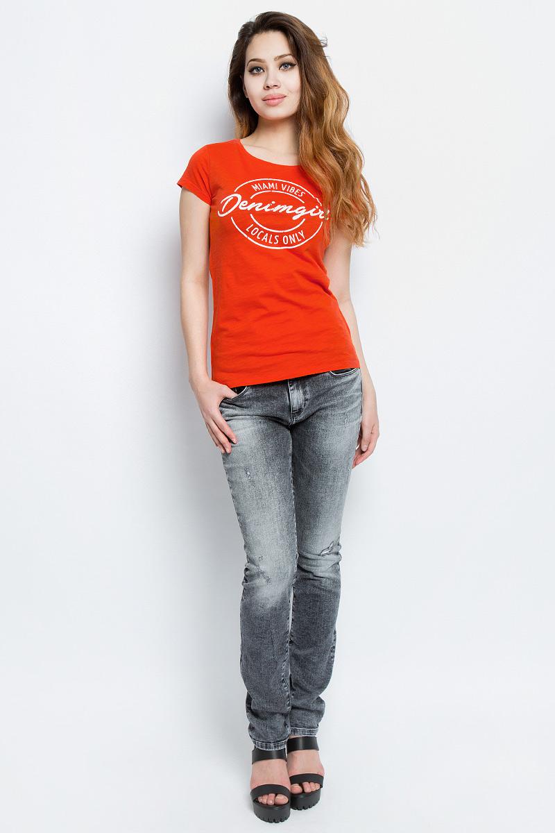 Футболка женская Tom Tailor, цвет: оранжевый. 1037984.00.71_4711. Размер XL (50)1037984.00.71_4711Женская футболка Tom Tailor выполнена из хлопка. Модель с круглым вырезом горловины и короткими стандартными рукавами. Спереди оформлена принтом с надписями.