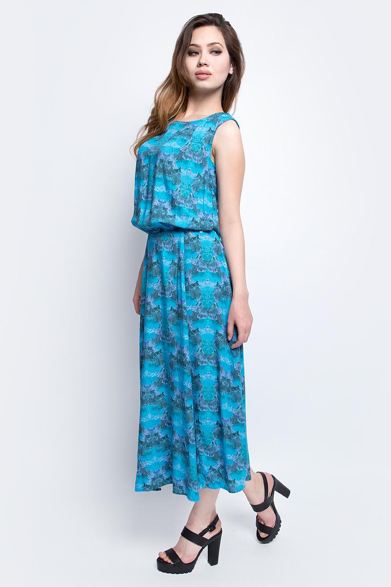 Платье Finn Flare Chapurin, цвет: голубой. CS17-17030_116. Размер M (46)CS17-17030_116Платье Finn Flare Chapurin выполнено из 100% вискозы. Модель с круглым вырезом горловины оформлена оригинальным принтом.