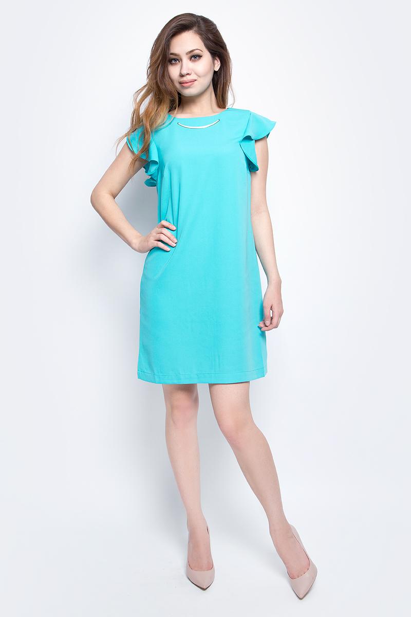 Платье Baon, цвет: голубой. B457081_Cloudless. Размер L (48)B457081_CloudlessЯркое платье Baon с рукавами-оборками выполнено из полиэстера. Изделие имеет прямой крой. Застёжка-молния расположена на спине. Передняя часть платья декорирована металлической деталью.