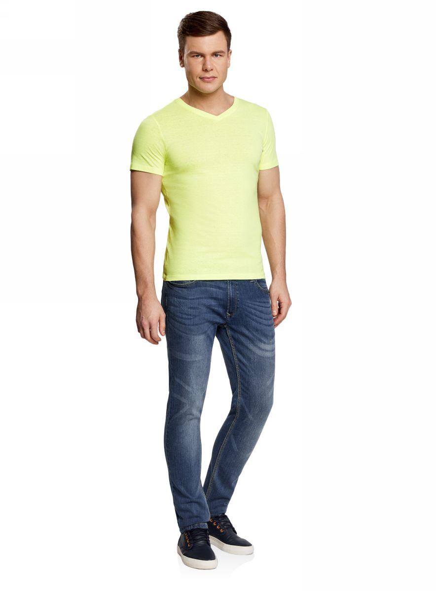 Футболка мужская oodji Basic, цвет: лимонный. 5B612001M/44135N/5100Y. Размер XS (44)5B612001M/44135N/5100YБазовая футболка с V-образным вырезом горловины и короткими рукавами выполнена из натурального хлопка.