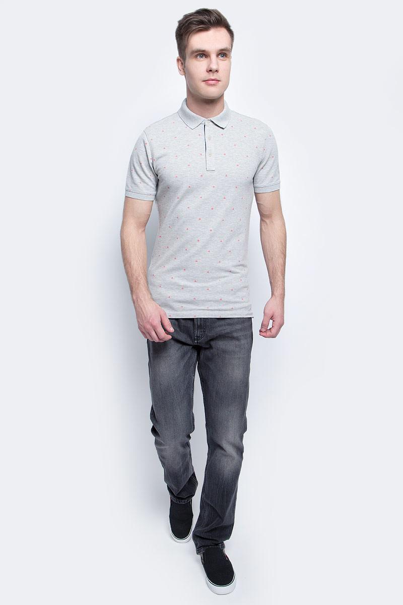 Джинсы мужские Calvin Klein Jeans, цвет: черный. J30J304916. Размер 33-32 (48/50-32)J30J304916Мужские джинсы Calvin Klein Jeans выполнены из качественной смесовой ткани на основе хлопка. Джинсы зауженного кроя и средней посадки застегиваются на пуговицу в поясе и ширинку на застежке-молнии. На поясе предусмотрены шлевки для ремня. Спереди модель дополнена двумя втачными карманами и одним маленьким накладным кармашком, а сзади - двумя накладными карманами. Оформлена модель эффектом потертости.