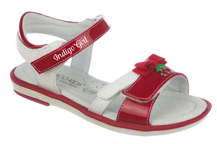 Сандалии для девочки Indigo Kids, цвет: красный. 21-256A/12. Размер 2621-256A/12Модные сандалии от Indigo Kids очень удобны и невероятно легки, они придутся по душе вашей девочке и идеально подойдут для повседневной носки в летнюю погоду! Модель выполнена из натуральной и искусственной кожи, оформлена ремешками с застежкой на липучке, позволяющими регулировать обхват по размеру.Каждое движение в этой обуви приносит радость и удовольствие.