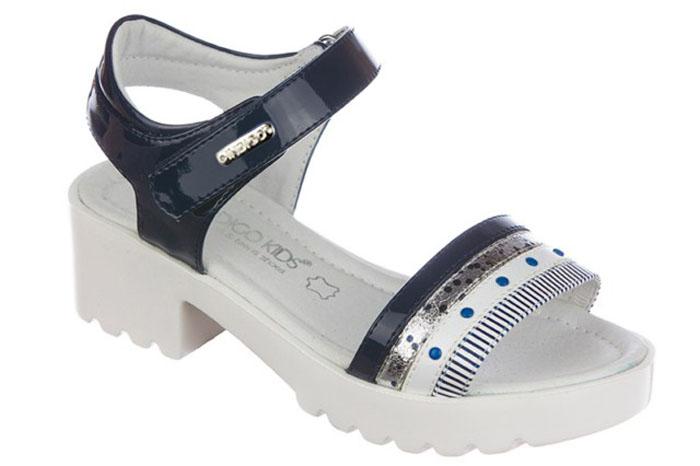 Сандалии для девочки Indigo Kids, цвет: синий. 21-322B/12. Размер 3621-322B/12Модные сандалии от Indigo Kids на небольшом каблуке очень удобны и невероятно легки, они придутся по душе вашей девочке и идеально подойдут для повседневной носки в летнюю погоду! Модель выполнена из натуральной и искусственной кожи, оформлена ремешком с застежкой на липучке, позволяющей регулировать обхват по размеру. Подошва с рифлением гарантирует отличное сцепление с любой поверхностью.Каждое движение в этой обуви приносит радость и удовольствие.
