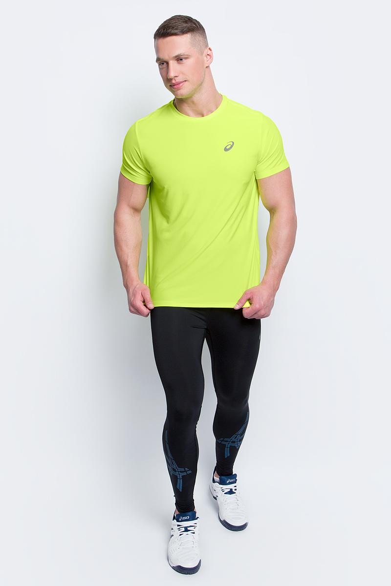 Футболка для бега мужская Asics SS Top, цвет: неоново-желтый. 134084-0392. Размер S (46/48)134084-0392Стильная мужская футболка для бега Asics SS Top, выполненная из высококачественного полиэстера, обладает высокой воздухопроницаемостью и превосходно отводит влагу от тела, оставляя кожу сухой даже во время интенсивных тренировок. Такая футболка великолепно подойдет как для повседневной носки, так и для спортивных занятий.Модель с короткими рукавами и круглым вырезом горловины - идеальный вариант для создания модного современного образа. Футболка оформлена светоотражающим логотипом на груди и контрастной полоской на спинке. Такая футболка идеально подойдет для занятий спортом и бега. В ней вы всегда будете чувствовать себя уверенно и комфортно.
