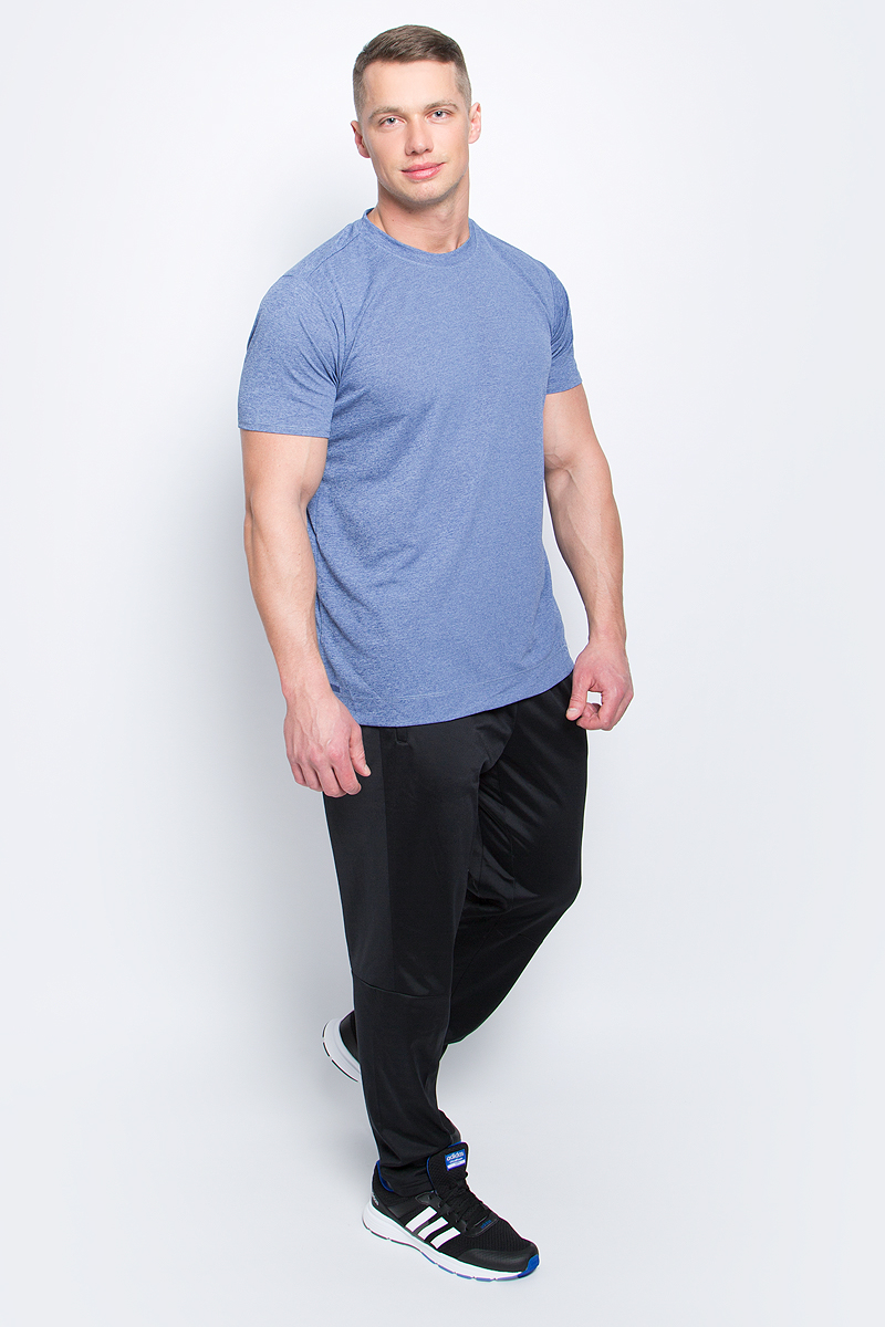 Футболка мужская adidas Freelift Chill1, цвет: светло-синий. S98656. Размер M (48/50)S98656Мужская футболка Adidas Freelift Chill1 изготовлена из качественного полиэстера с технологией climalite. Верхняя часть спинки с внутренней стороны дополнена специальными металлическими вкраплениями. Модель с круглой горловиной и короткими рукавами. На левом рукаве имеется принт с логотипом и названием бренда, по бокам - небольшие разрезы.