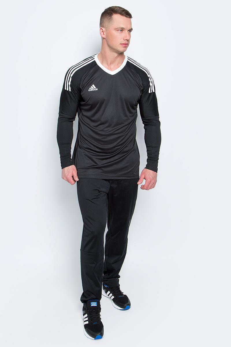 Лонгслив вратарский мужской adidas Revigo 17 Gk, цвет: черный. AZ5392. Размер L (52/54)AZ5392Лонгслив вратарский мужской adidas Revigo 17 Gk изготовлен из эластичного полиэфира. Эта модель для вратарей обеспечивает полную свободу движений. Узкие манжеты удерживают рукава на месте, а особый крой плеч не позволяет лонгсливу задираться. Специальная вставка подмышками предотвращает задирание футболки, когда руки подняты вверх, узкие манжеты помогают удерживать рукав на месте.