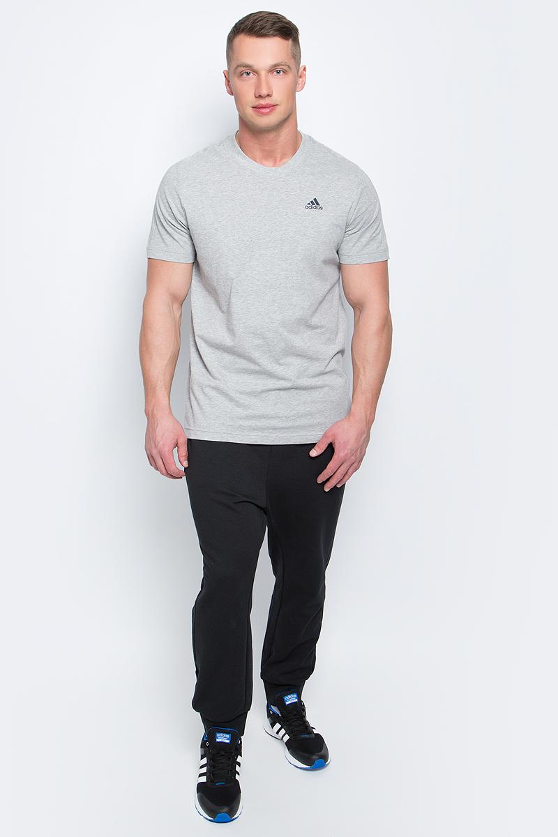 Футболка мужская adidas Ess Base Tee, цвет: серый. S98741. Размер L (52/54)S98741В футболке Adidas Ess Base Tee вам будет комфортно в течение всего дня. Классический крой обеспечивает оптимальную свободу движений. Модель украшена принтом с логотипом Adidas. Крой реглан на задней стороне рукавов для большей свободы движений.