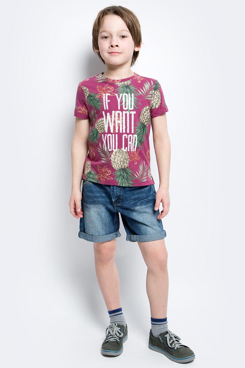Футболка для мальчика Button Blue Main, цвет: брусничный. 117BBBC12040313. Размер 98, 3 года117BBBC12040313Яркие футболки с рисунком - хит сезона. Динамичный принт создает летнее настроение и делает модель яркой и запоминающейся. Если вы решили купить недорогую футболку для мальчика, обратите внимание на модель от Button Blue. Эта футболка станет выразительным акцентом повседневного образа, сделав каждый комплект оригинальным и необычным.