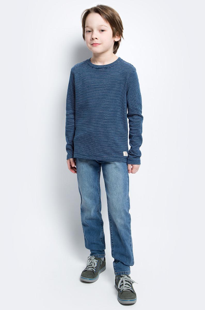 Футболка с длинным рукавом для мальчика Button Blue Main, цвет: синий. 117BBBC12061005. Размер 110, 5 лет117BBBC12061005Футболка с длинным рукавом в полоску - основа модного образа. Если вы решили купить недорогую футболку для мальчика, которая и весной, и летом будет весьма востребована, выберете полосатую футболку с длинным рукавом от Button Blue.
