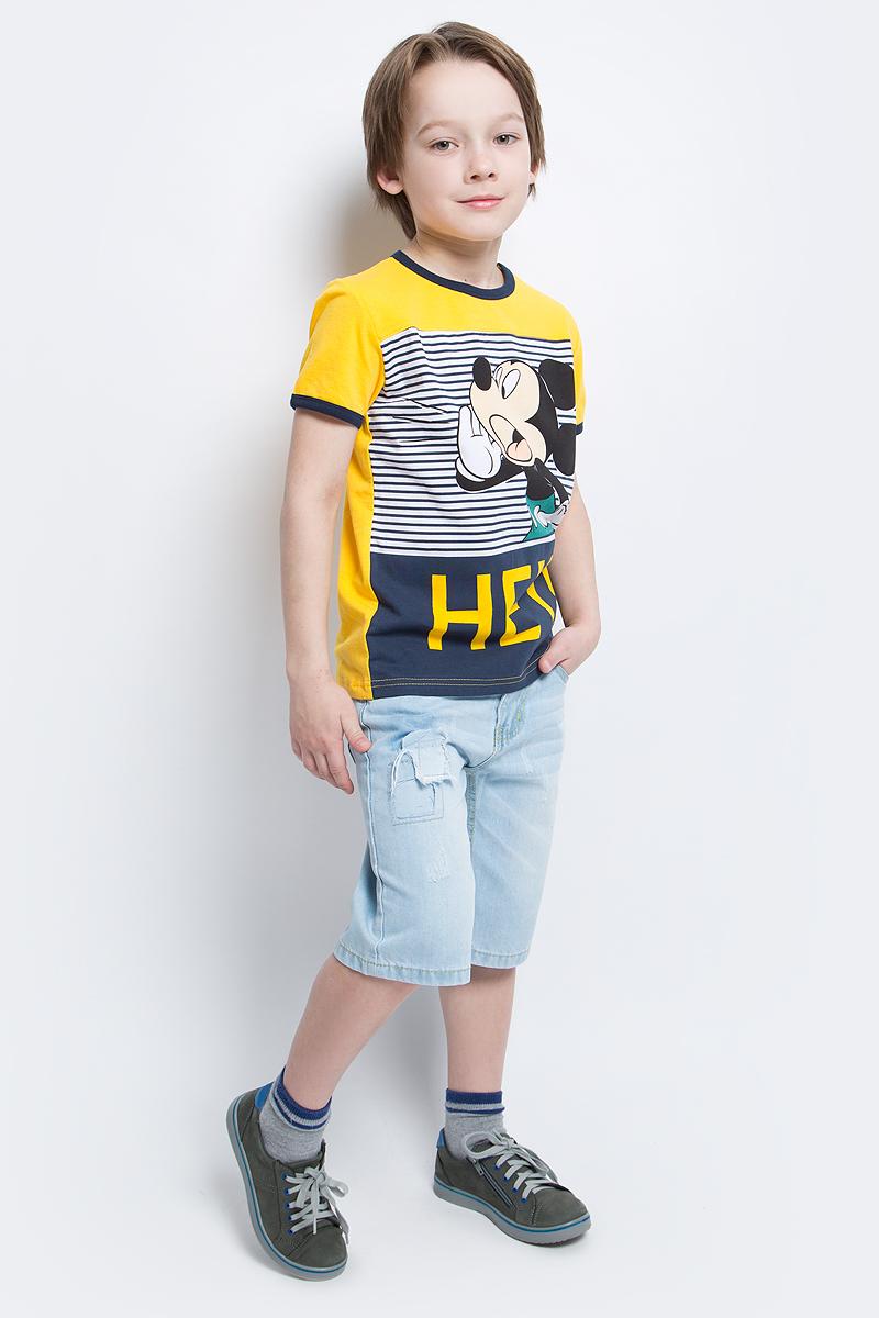 Футболка для мальчика PlayToday, цвет: желтый. 671153. Размер 98671153Футболка для мальчика PlayToday выполнена из эластичного хлопка. Модель с круглым вырезом горловины и короткими рукавами оформлена оригинальным принтом.
