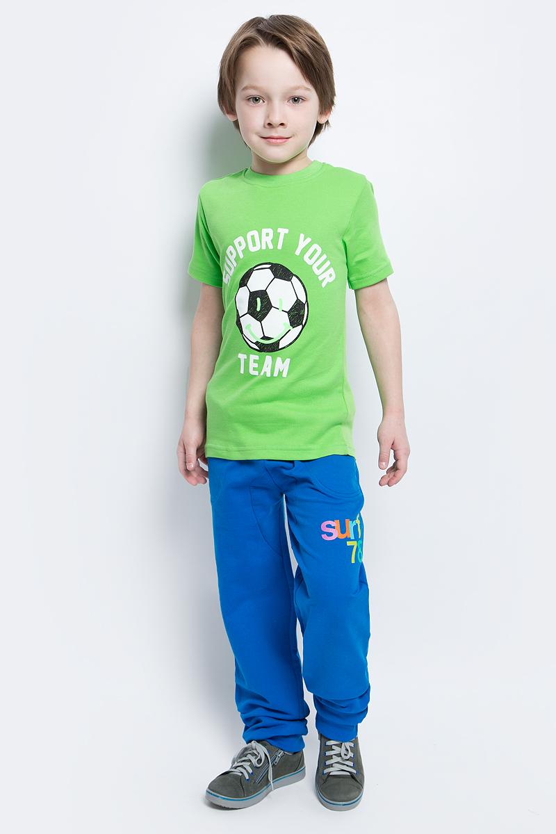 Футболка для мальчика КотМарКот, цвет: салатовый. 20017. Размер 110, 5 лет20017Футболка для мальчика выполнена из натурального хлопка. Модель с круглым вырезом горловины и короткими рукавами оформлена надписью и изображением футбольного мяча.