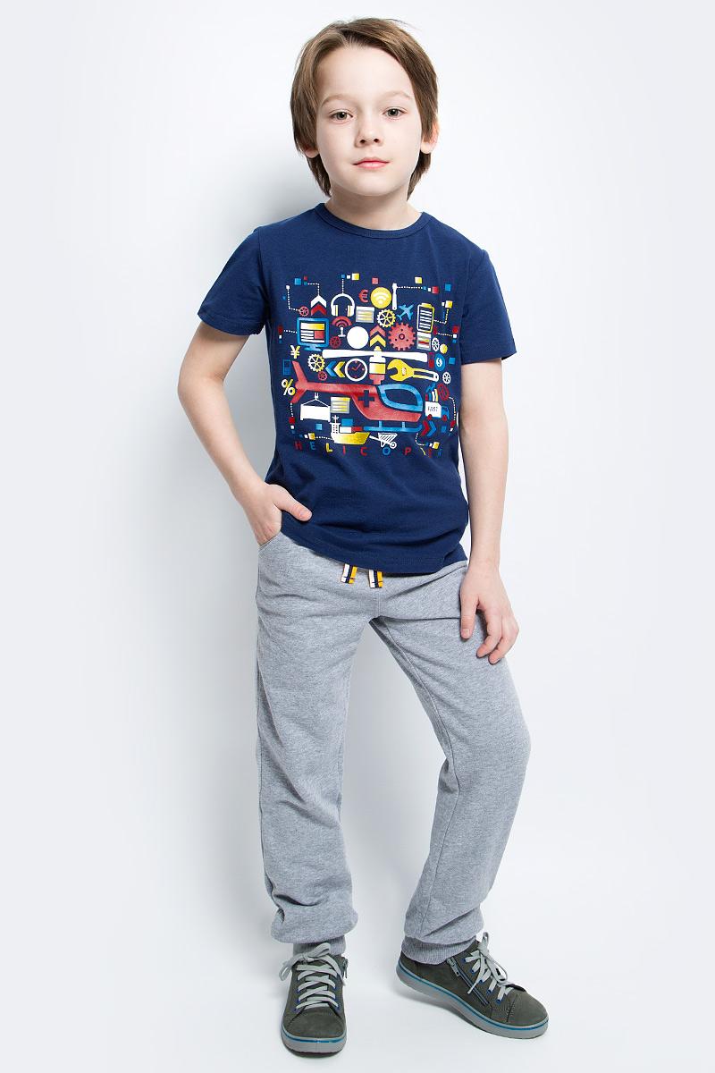 Футболка для мальчика PlayToday, цвет: темно-синий. 171075. Размер 104171075Футболка для мальчика PlayToday выполнена из эластичного хлопка. Модель с короткими рукавами и круглым вырезом горловины оформлена оригинальным принтом.