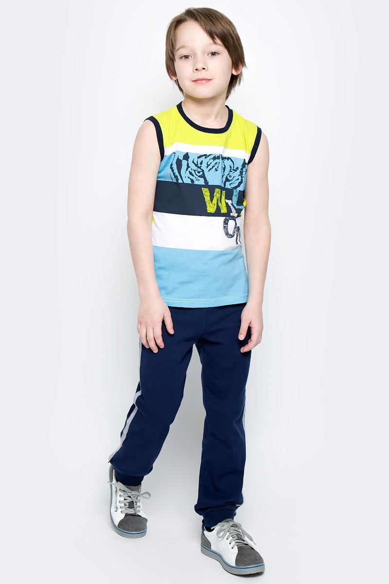 Брюки спортивные для мальчика PlayToday, цвет: темно-синий, серый меланж. 360003. Размер 98360003Уютные брюки в спортивном стиле для мальчика выполнены из футера и дополнены контрастными лампасами по бокам. Пояс на мягкой резинке дополнительно регулируется шнурком. Низ брючин оформлен широкой трикотажной резинкой.