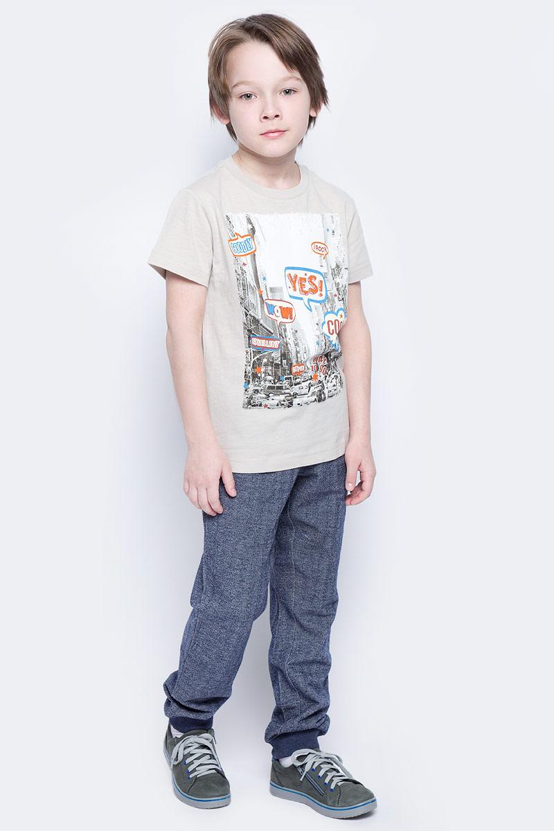 Брюки спортивные для мальчика Sela, цвет: темно-синий. Pk-815/307-7121. Размер 116, 6 летPk-815/307-7121Удобные спортивные брюки для мальчика Sela выполнены из качественного хлопкового материала и дополнены двумя втачными карманами спереди и двумя накладными - сзади. Брюки прямого кроя и стандартной посадки на талии имеют широкий пояс на мягкой резинке, дополнительно регулируемый шнурком. Низ брючин дополнен мягкими трикотажными резинками.