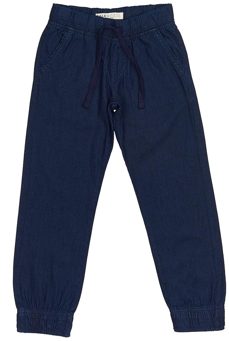 Джинсы для мальчика Sela Denim, цвет: темно-синий джинс. PJ-835/309-7213. Размер 152, 12 летPJ-835/309-7213Стильные джинсы для мальчика Sela выполнены из натурального хлопка. Джинсы свободного кроя и стандартной посадки на талии имеют широкий пояс на мягкой резинке, дополнительно регулируемый тесьмой. Модель дополнена двумя втачными карманами спереди и двумя накладными карманами сзади. Низ брючин собран на резинку.
