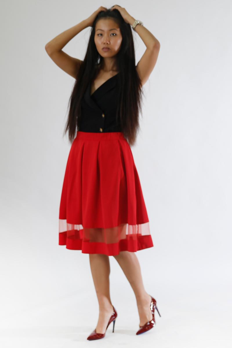 Юбка Be in, цвет: красный. Ю 44-15. Размер 46/48Ю 44-15Пышная юбка Be in изготовлена из качественного полиэстера. Модель-миди дополнена прозрачной вставкой по всей ширине.