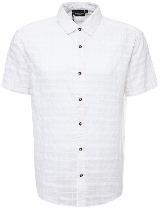 Рубашка мужская Finn Flare, цвет: белый. S17-24011_201. Размер XXL (54)S17-24011_201Рубашка мужская Finn Flare выполнена из хлопка. Модель с отложным воротником и короткими рукавами застегивается на пуговицы.