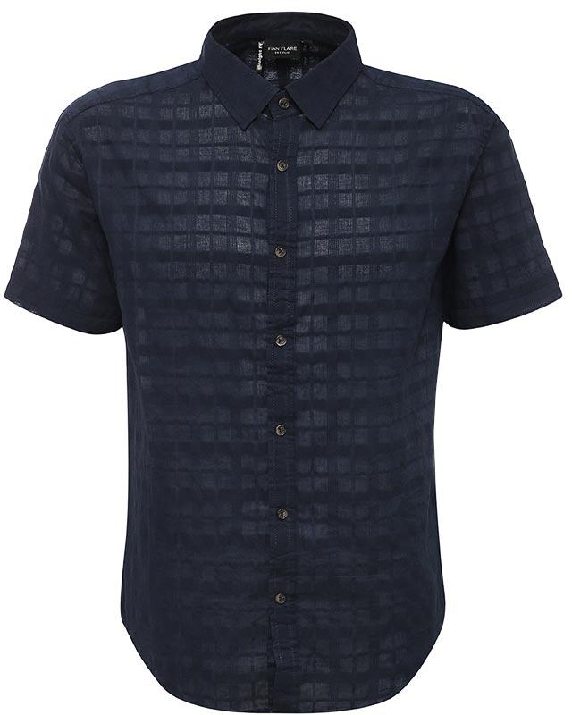Рубашка мужская Finn Flare, цвет: темно-синий. S17-24011_101. Размер L (50)S17-24011_101Рубашка мужская Finn Flare выполнена из хлопка. Модель с отложным воротником и короткими рукавами застегивается на пуговицы.