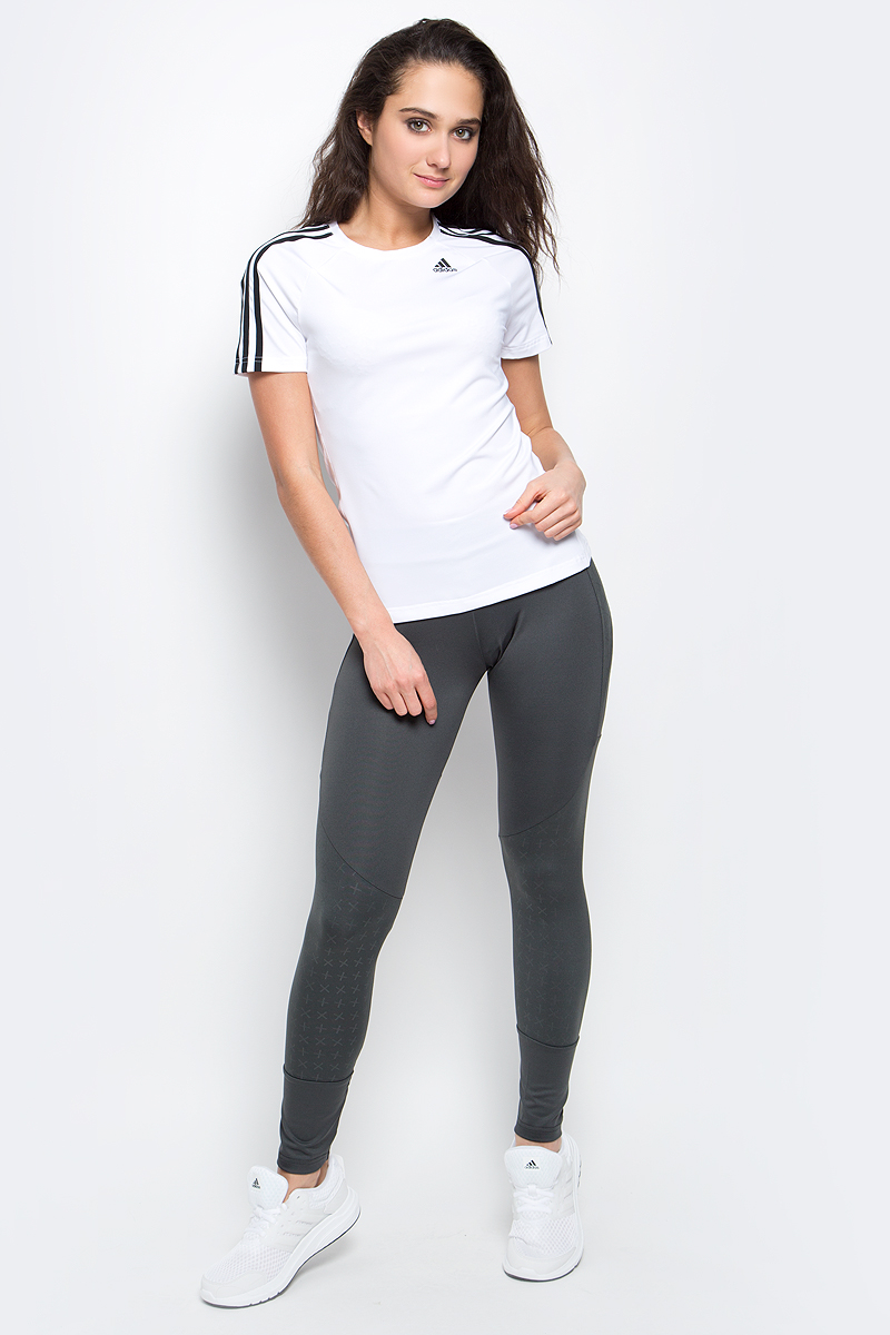 Футболка для фитнеса женская adidas D2M Tee 3S, цвет: белый. BK2686. Размер L (48/50)BK2686Футболка D2M Tee 3S от adidas выполнена из плотного трикотажа. Три полоски на каждом плече. У модели круглый воротник и рукава реглан. Ткань с технологией climalite быстро и эффективно отводит влагу с поверхности кожи, поддерживая комфортный микроклимат. Эта модель — часть экологической программы adidas: использованы технологии, сберегающие природные ресурсы, каждая нить имеет значение, переработанный полиэстер сохраняет природные ресурсы и уменьшает отходы производства.