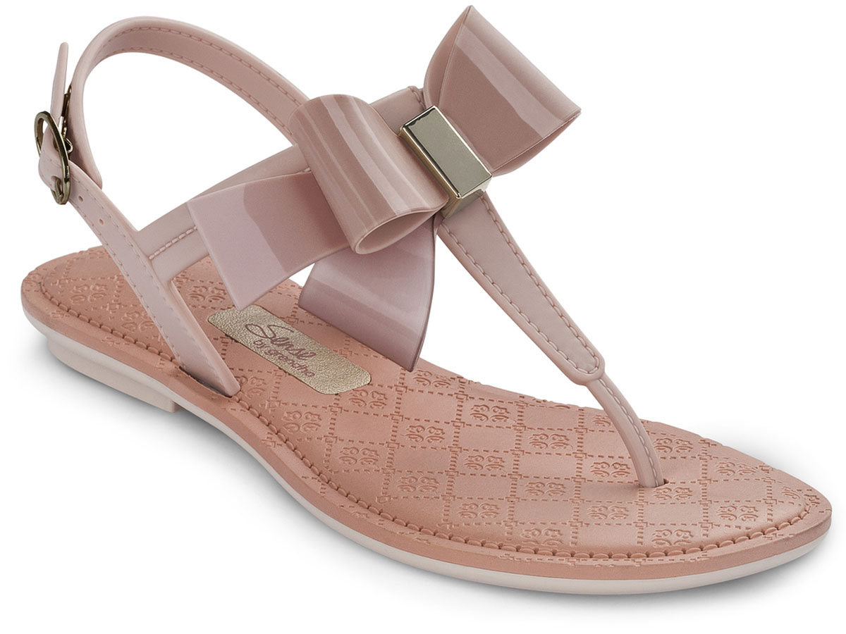 Сандалии для девочки Grendha Sense Sandal Kids, цвет: светло-бежевый. 82105. Размер 29/30 (31)82105-90159Детские сандалии на маленьком каблучке Grendha Sense Sandal Kids выполнены из резины. Верх украшен нежным бантиком. Ремешок надежно зафиксирует модель на ноге. Стелька оформлена узором.