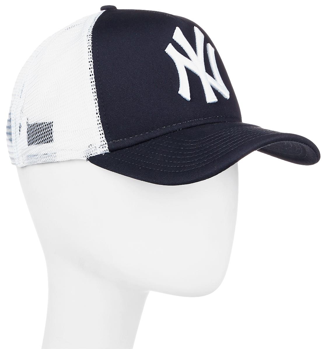Бейсболка New Era Mlb Clean Trucker, цвет: черный, белый. 10531936-NVY. Размер универсальный10531936-NVYСтильная бейсболка New Era, выполненная из высококачественного материала, идеально подойдет для прогулок, занятий спортом и отдыха.Изделие оформлено объемным вышитым логотипом знаменитой бейсбольной команды New York Yankees и логотипом бренда New Era, сзади купол кепки исполнен из сетки для большей воздухопроницаемости.Бейсболка надежно защитит вас от солнца и ветра. Эта модель станет отличным аксессуаром и дополнит ваш повседневный образ.