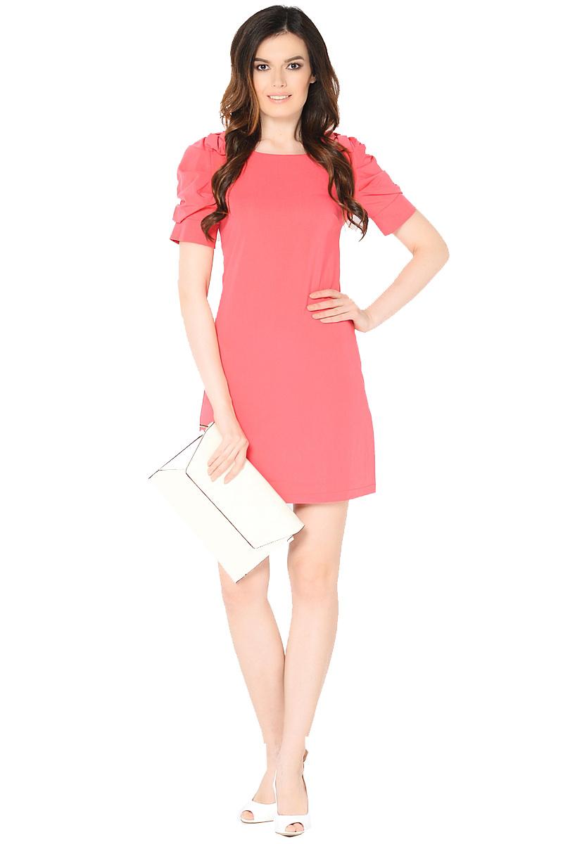 Платье Milton, цвет: красный. WD-2453F. Размер 48WD-2453FПлатье полуприлегающего силуэта, с втачными рукавами с драпировкой. На плечевых швах - отделочные банты из основной ткани.