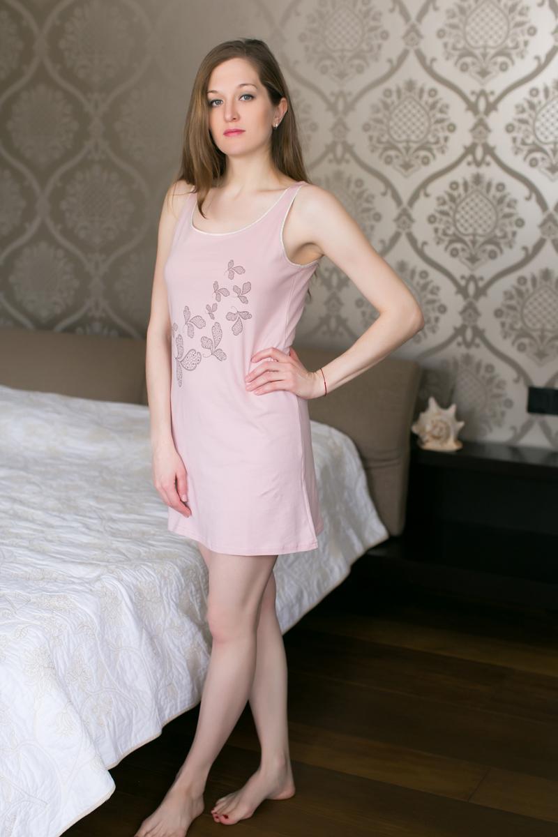 Платье домашнее Marusя, цвет: розовый. 162013. Размер S (44)162013Домашнее платье Marusя изготовлено из качественной смесовой ткани. Модель длины мини оформлена оригинальным принтом. Платье с круглым вырезом горловины и без рукавов.
