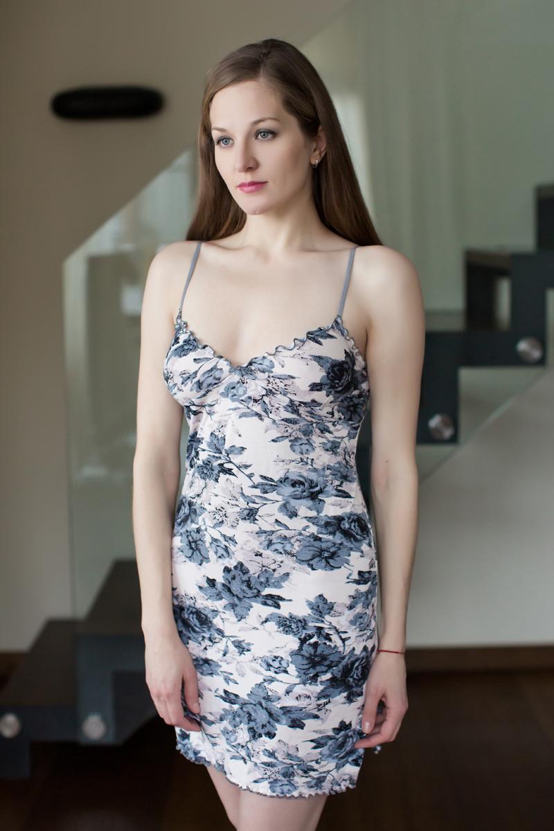 Ночная рубашка Marusя, цвет: серый, бежевый. 162022. Размер L (48)162022Ночная рубашка Marusя изготовлена из качественной смесовой ткани. Модель длины мини на тонких бретельках оформлена рисунком в спокойных тонах.