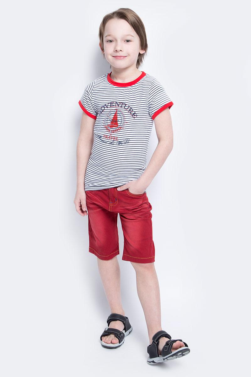 Футболка для мальчика Nota Bene, цвет: белый, темно-синий, красный. SS161B253-1. Размер 104SS161B253-1Футболка для мальчика Nota Bene, выполненная из эластичного хлопка, прекрасно подойдет для повседневной носки. Материал очень мягкий и приятный на ощупь, не сковывает движения и позволяет коже дышать. Футболка с круглым вырезом горловины и короткими рукавами оформлена принтом в полоску. Вырез горловины и рукава дополнены трикотажными вставками контрастного цвета. Изделие украшено изображениями корабля и компаса, а также принтовыми надписями.Такая модель будет дарить ребенку комфорт в течение всего дня и станет отличным дополнением к его гардеробу.