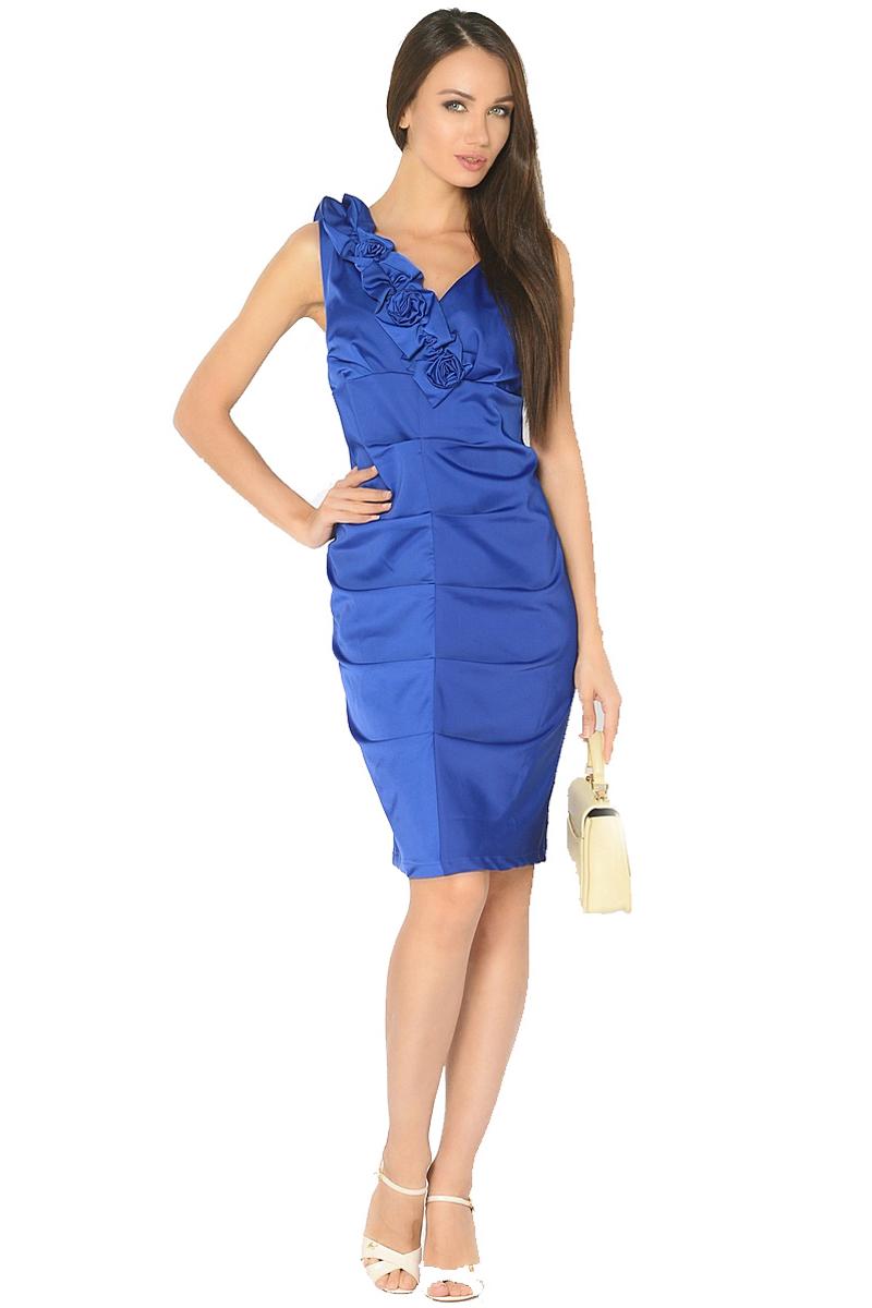 Платье Milton, цвет: синий. WD-2519F. Размер 52WD-2519FНарядное платье прилегающего силуэта без рукавов, по переду в центральном шве заложены складки. Вырез горловины украшен декративными элементами в виде цветов.