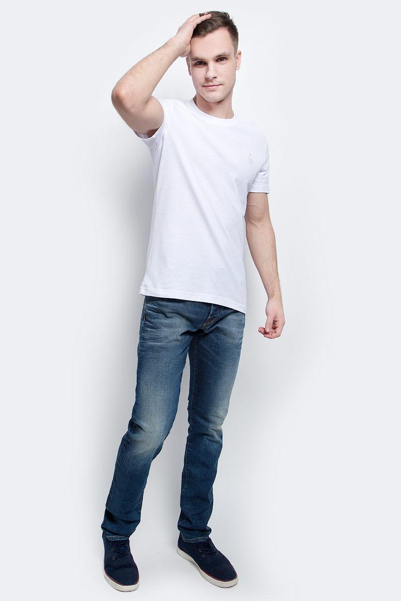Футболка мужская Finn Flare, цвет: белый. S17-21023_201. Размер XXL (54)S17-21023_201Футболка мужская Finn Flare выполнена из натурального хлопка. Модель с круглым вырезом горловины и короткими рукавами.