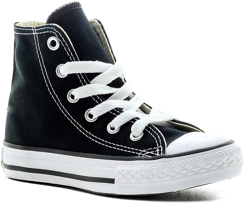 Кеды детские Converse Chuck Taylor All Star, цвет: черный. 3J231. Размер 11 (28)3J231Стильные высокие детские кеды Chuck Taylor All Star от Converse приведут в восторг вашего ребенка! Кеды выполнены из плотного текстиля и оформлены контрастной прострочкой. Мыс защищен резиновой накладкой. Классическая шнуровка на подъеме надежно фиксирует обувь на ноге. Стелька и подкладка из мягкого текстиля комфортны при ходьбе. Подошва исполнена из износостойкой резины. Рифление на подошве обеспечивает идеальное сцепление с любыми поверхностями. Эффектные кеды помогут создать яркий, динамичный образ.