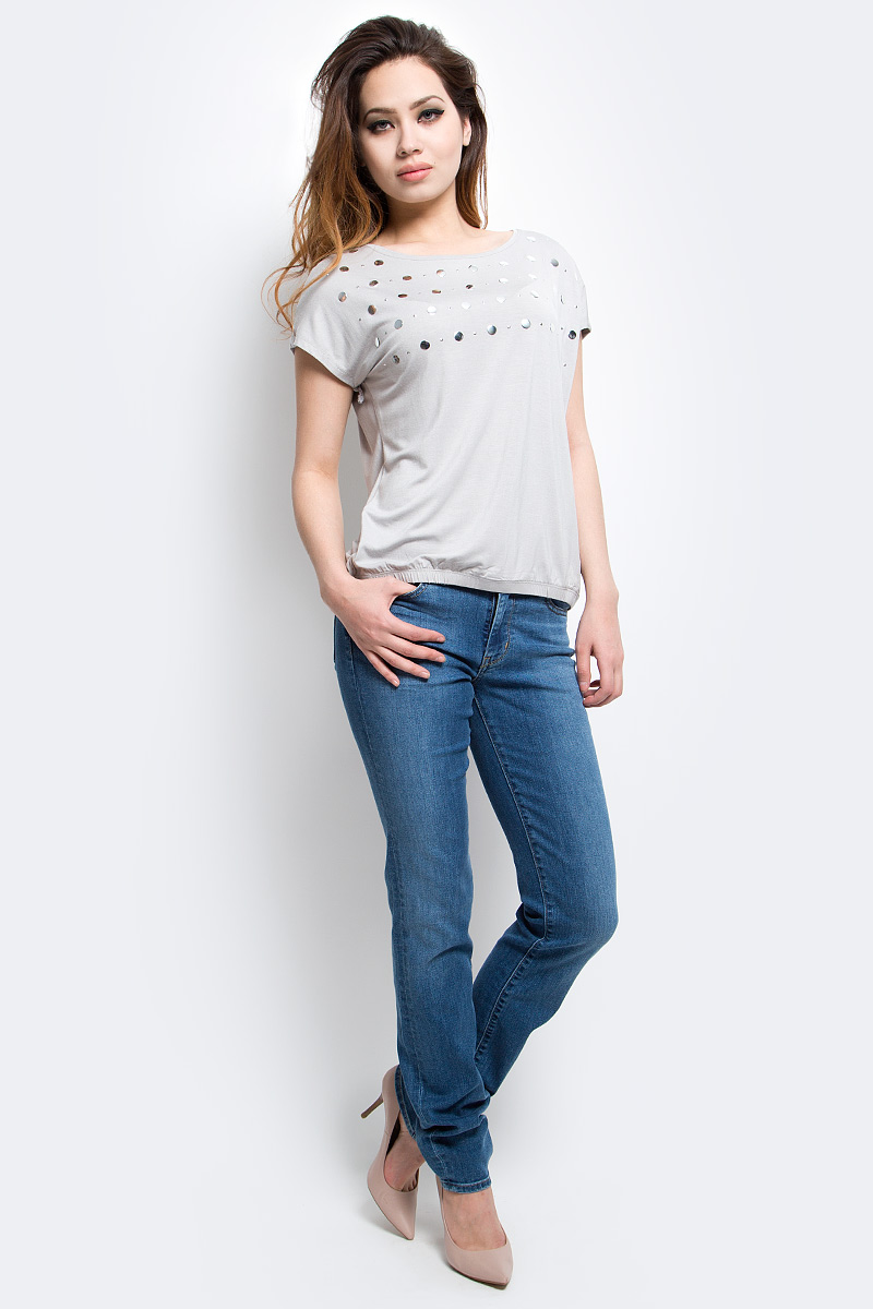 Футболка женская Finn Flare, цвет: светло-серый. S17-11054_211. Размер XL (50)S17-11054_211Футболка женская Finn Flare выполнена из вискозы и эластана. Модель с круглым вырезом горловины и короткими рукавами.