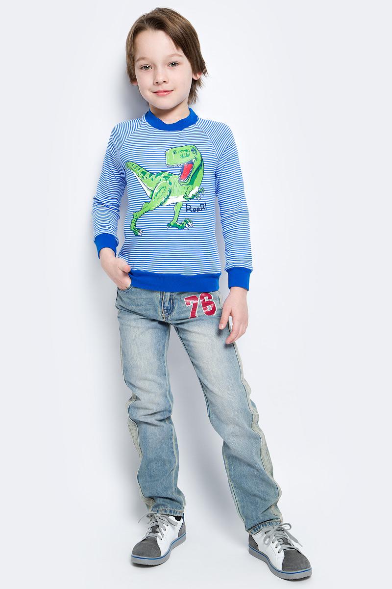 Джинсы для мальчика PlayToday, цвет: голубой, красный. 171011. Размер 110171011Стильные эффектные джинсы с ярким принтом и эффектом потертости прекрасно подойдут для повседневной носки. Удобны для длительных прогулок на свежем воздухе. Модель снабжена пятью полноценными карманами. Пояс со шлевками, при необходимости можно использовать ремень. Джинсы застегиваются на скрытую застежку-молнию и металлическую пуговицу.