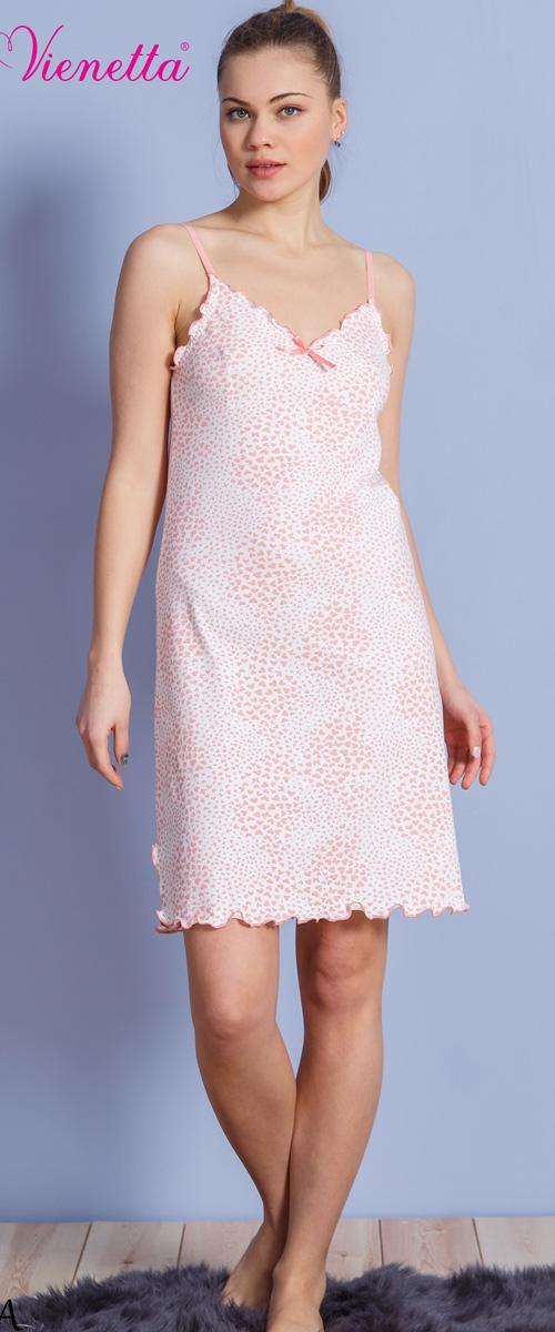 Платье домашнее Vienettas Secret, цвет: молочный, розовый. 610237 1316. Размер L (48)610237 1316Домашнее платье Vienettas Secret выполнено из 100% натурального хлопка. Изделие на бретельках имеет декольте с V-образным вырезом и длину мини. Модель не стесняет движений и комфортна для домашней носки. Платье дополнено оборками, бантиком и принтом в виде сердечек.