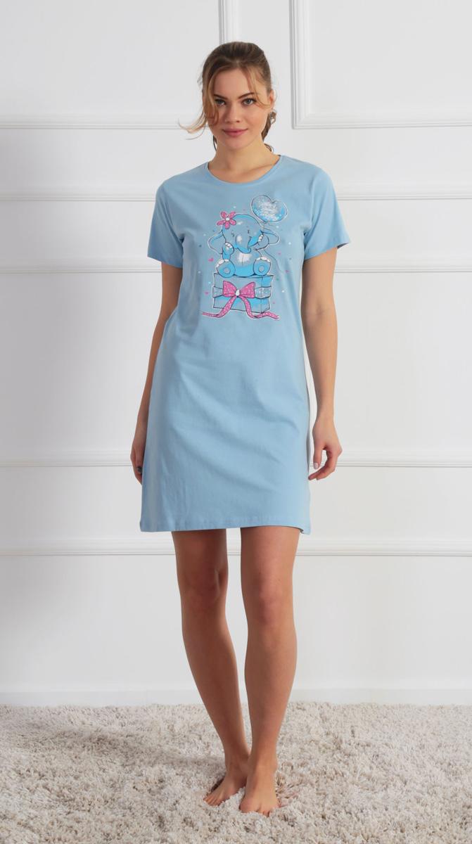 Платье домашнее Vienettas Secret, цвет: светло-голубой. 610305 0000. Размер M (46)610305 0000Домашнее платье Vienettas Secret выполнено из 100% натурального хлопка. Изделие имеет круглый вырез горловины, стандартные короткие рукава и длину мини. Модель прямого кроя не стесняет движений и комфортна для домашней носки. Платье выполнено в однотонном дизайне и дополнено изображением слоника.