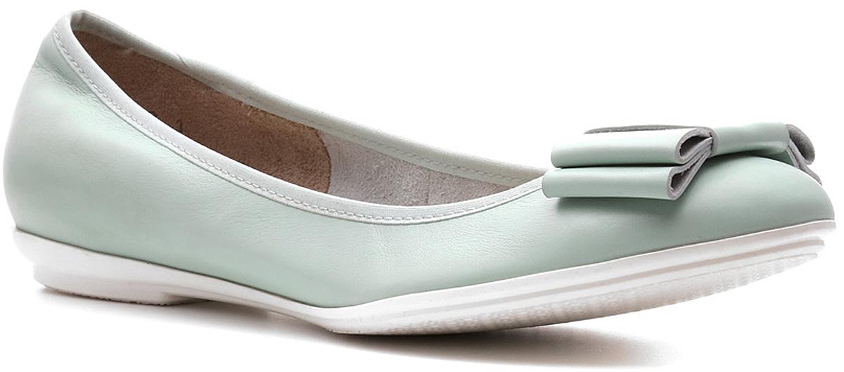 Балетки Ralf Ringer Sinty, цвет: зеленый. 747109СЗ. Размер 38747109СЗБалетки Sinty линии Modern без подкладки — легкий прогулочный вариант. Хорошо сидят на ноге. Имеют тонкую невесомую подошву, делающую их похожими на обувь для фитнеса и удобную конструкцию с резинкой. Изготовлены из натуральных дышащих материалов. Дизайн делает их популярными, легко сочетаемыми с брюками, юбками, джинсами, платьями.