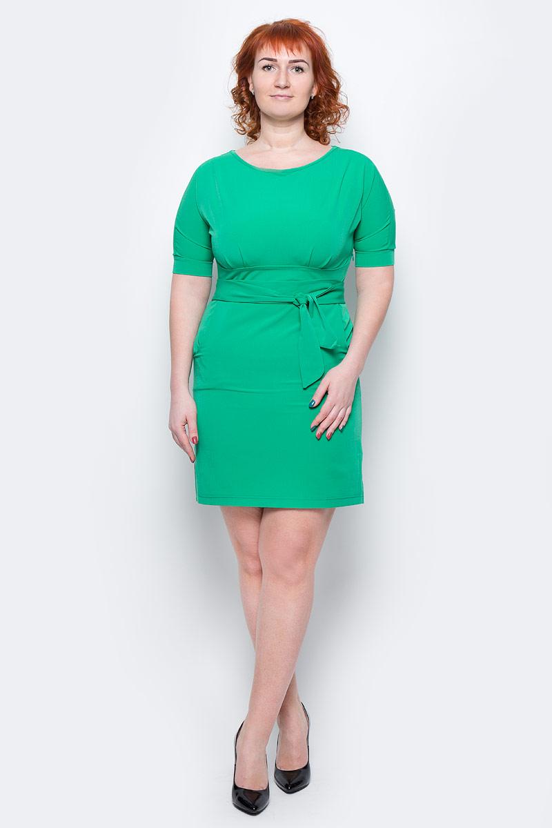 Платье Milton, цвет: зеленый. WD-2455F. Размер 50WD-2455FПлатье полуприлегающего силуэта, отрезное по линии талии, с подкройным поясом, с цельнокроенными рукавами. На лифе и юбке платья от пояса заложены складки.