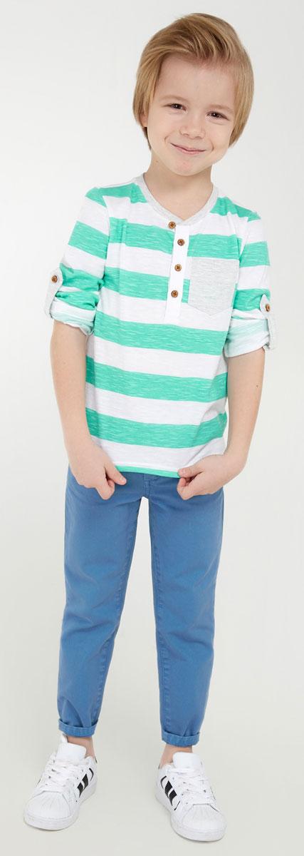 Футболка с длинным рукавом для мальчика Acoola Hof, цвет: светло-зеленый. 20120100071_2200. Размер 9820120100071_2200Футболка с длинным рукавом Acoola Hof - прекрасная вещь базового гардероба для вашего мальчика. Футболка выполнена из натурального хлопка, мягкого и приятного на ощупь. Модель свободного кроя с круглым вырезом горловины и длинными рукавами, дополненными хлястиками для подворота. На груди - короткая планка с застежкой на деревянные пуговицы и накладной кармашек. В такой футболке ваш ребенок будет чувствовать себя уютно, комфортно и всегда будет в центре внимания!