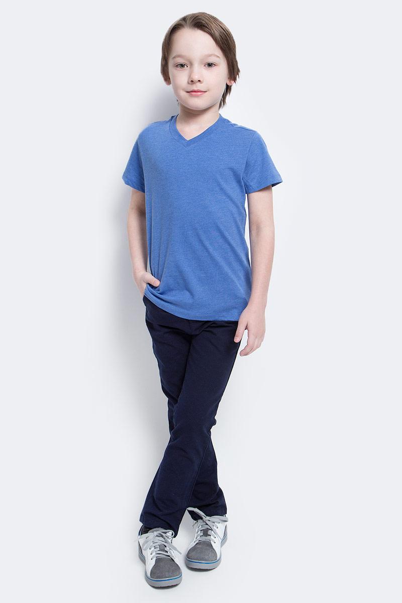 Брюки для мальчика Sela, цвет: темно-синий. P-815/305-7121. Размер 152, 12 летP-815/305-7121Стильные брюки для мальчика Sela выполнены из качественного эластичного хлопка. Брюки прилегающего кроя и стандартной посадки на талии застегиваются на пуговицу и имеют ширинку на застежке-молнии. На поясе имеются шлевки для ремня. Модель дополнена двумя втачными и одним маленьким прорезным кармашком спереди и двумя прорезными карманами на пуговицах сзади.