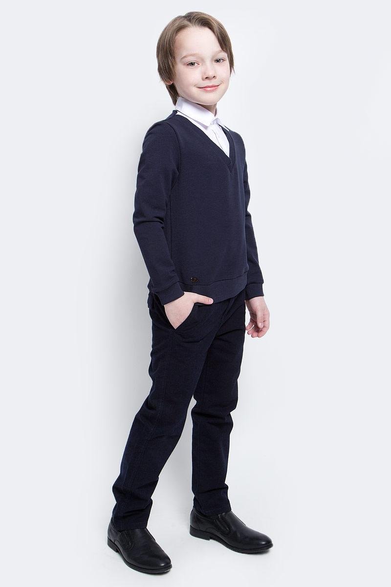 Джемпер для мальчика Nota Bene, цвет: темно-синий, белый. CJK17012A29. Размер 134CJK17012A29Стильный джемпер для мальчиков Nota Bene идеально подойдет вашему ребенку. Изготовленный из хлопка с добавлением полиэстера и лайкры, он мягкий и приятный на ощупь, не сковывает движения, эластичный, износоустойчивый и позволяет коже дышать, обеспечивая наибольший комфорт. Джемпер с длинным стандартным рукавом и отложным воротничком застегивается на пластиковые пуговицы. Дизайн джемпера создает эффект 2 в 1 - пуловер и рубашка.Современный дизайн и расцветка делают этот джемпер стильным предметом детского гардероба.