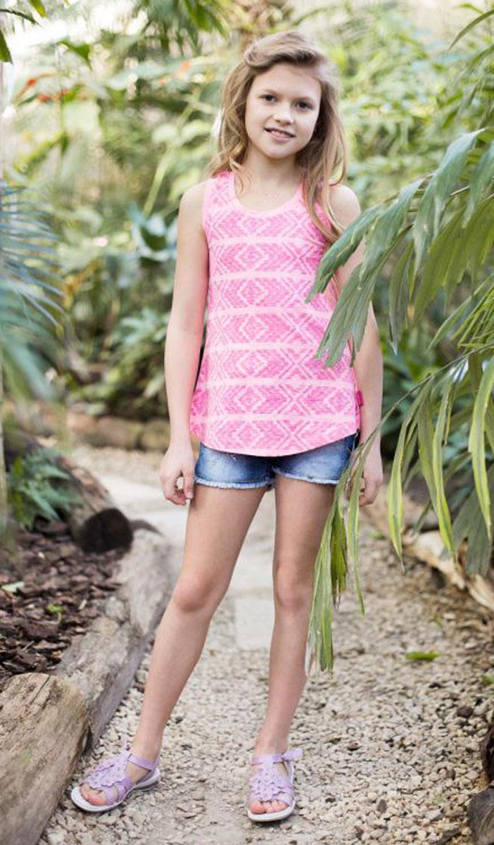 Майка для девочки Luminoso, цвет: ярко-розовый. 718012. Размер 140718012Трикотажная майка-топ приталенного кроя из принтованной ткани для девочки.