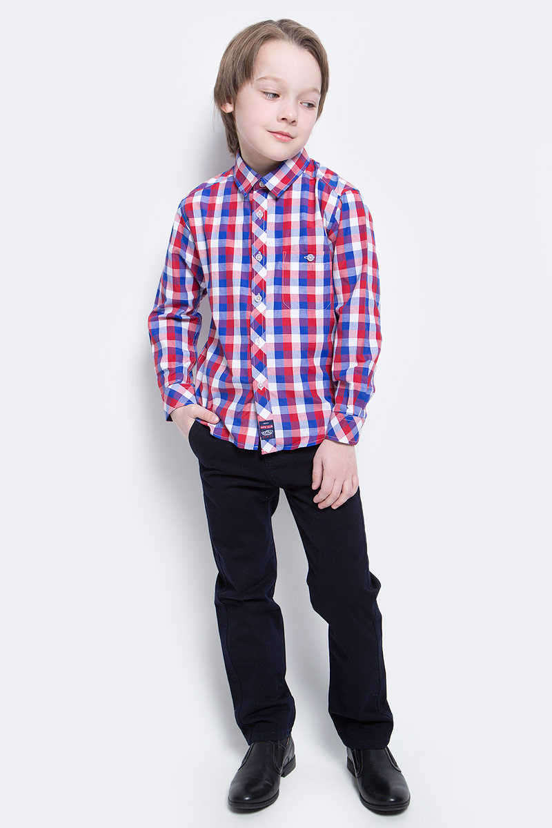 Рубашка для мальчика PlayToday, цвет: синий, красный, белый. 171008. Размер 116171008Рубашка для мальчика PlayToday в стиле кантри. Практична и очень удобна для повседневной носки. Ткань мягкая и приятная на ощупь, не раздражает нежную детскую кожу. Стиль отвечает всем последним тенденциям детской моды. Рубашка с отложным воротничком и накладным карманом на пуговице. Даже в самой активной игре ваш ребенок будет всегда иметь аккуратный вид.