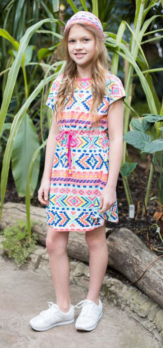 Платье для девочки Luminoso, цвет: розовый, бирюзовый. 718033. Размер 146718033Трикотажное платье приталенного кроя из принтованной ткани с пояском.